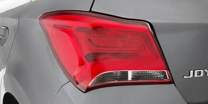 Chevrolet Onix Joy lanterna traseira