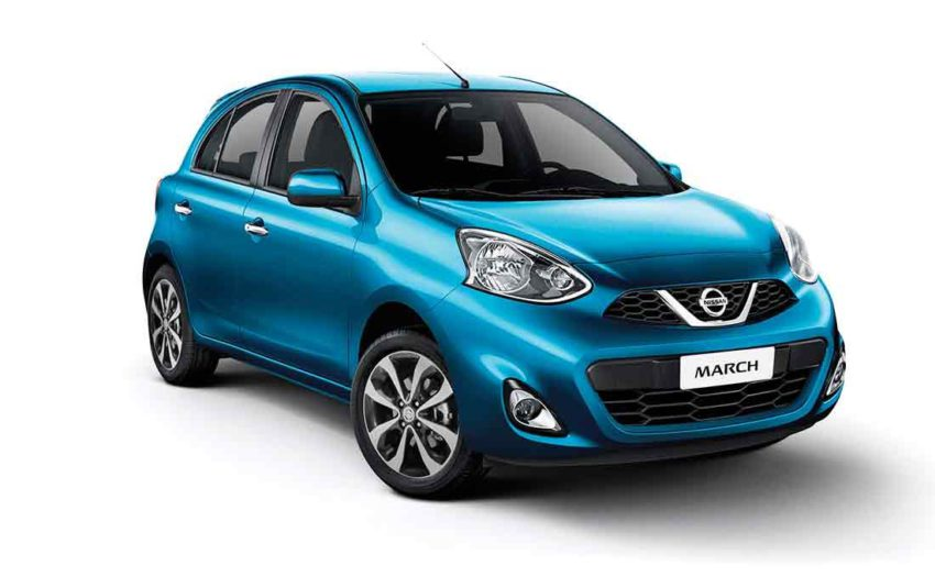 Nissan March azul visto de frente