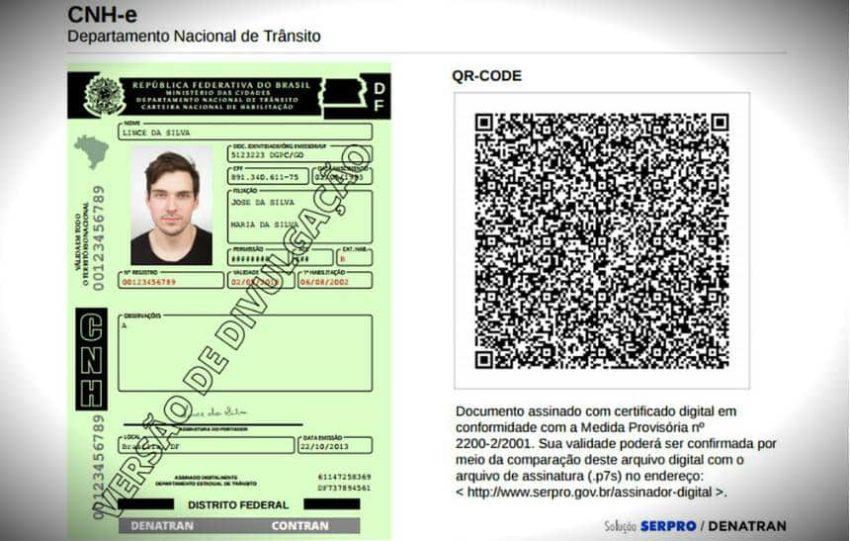 Tela com CNH digital e códio QR
