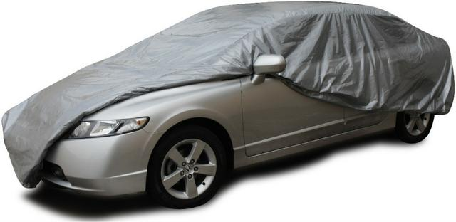 Honda Civic coberto com capa protetora